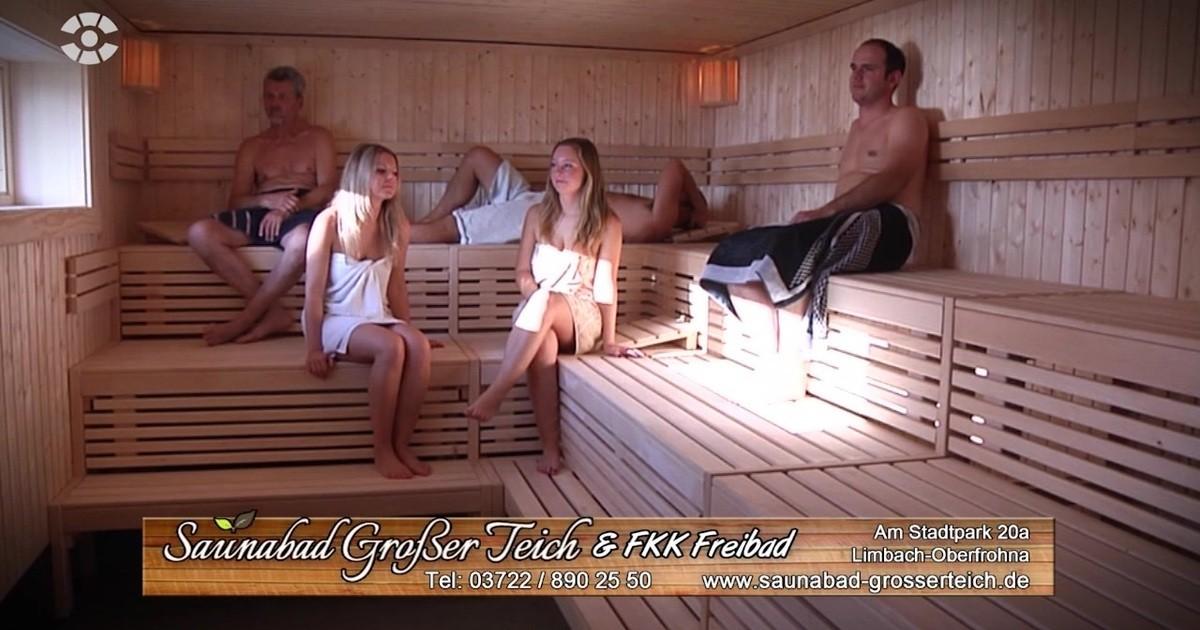 zeit zum enspannen im saunabad gro er teich video. Black Bedroom Furniture Sets. Home Design Ideas