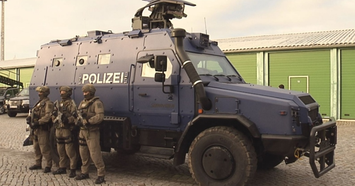 Polizei Panzerfahrzeug