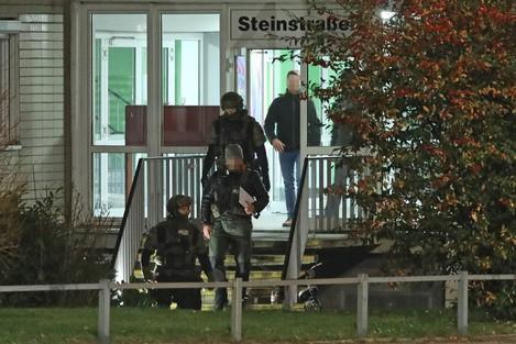 Mit Waffe bedroht: Dresdner Polizei nimmt 24-Jährigen fest