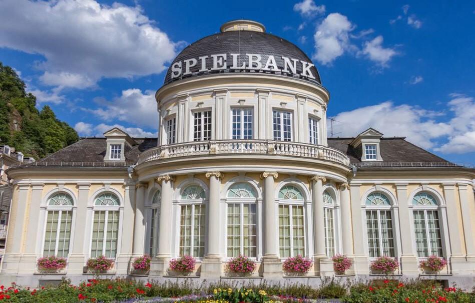 Architektur und Gebäude der Spielhalle Bad Ems, © Iordanis – 331346204 / Shutterstock.com